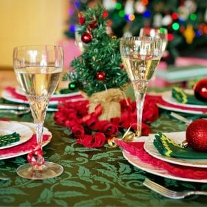 How to Host Christmas Dinner on a Budget