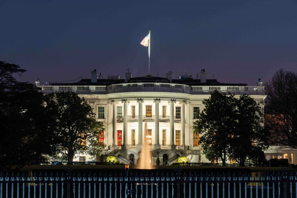 Washington D.C.- The White House - best places to travel